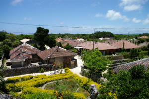 Village_in_Taketomi_Island_-_located_at_southwest_Japan
